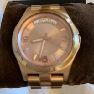 MARC JACOBS ROSE GOLD CHUNKY WATCH